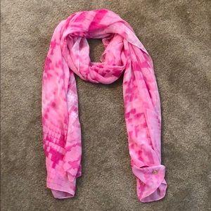 NWT Calvin Klein pink snake print scarf